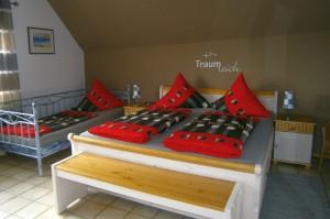 Schlafzimmer mit... | Ferienwohnung Abendsonne beim Europa-Park Rust